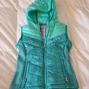 Girls Free County zip up vest